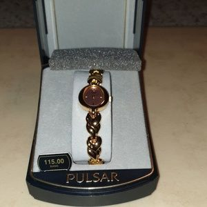 Woman's Pulsar Gold Watch